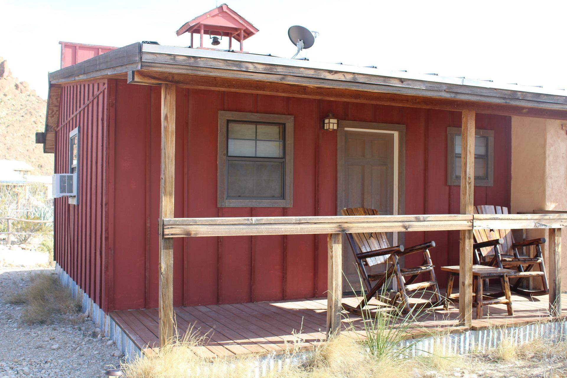 The Schoolhouse Room - Ten Bits Ranch | Cowboy Inn